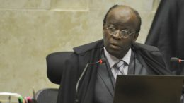 O presidente do Supremo Tribunal Federal (STF), Joaquim Barbosa, é o relator do Mensalão.