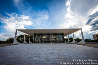 Fachada do Supremo Tribunal Federal. Corte decide que pornografia infantil na internet é crime federal.