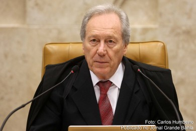 Ricardo Lewandowski preside impeachment sessão que julga analisar a Lei 1.079/50, que regulamentou as normas de processo e julgamento do impeachment.