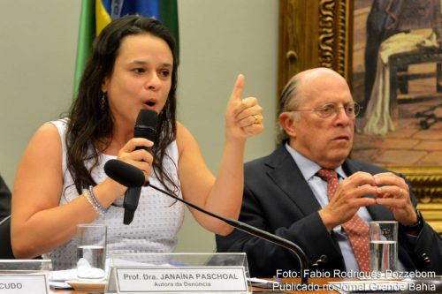 Janaína Paschoal e Miguel Reale Jr apresentam argumentos na Comissão do Impeachment do Senado Federal.